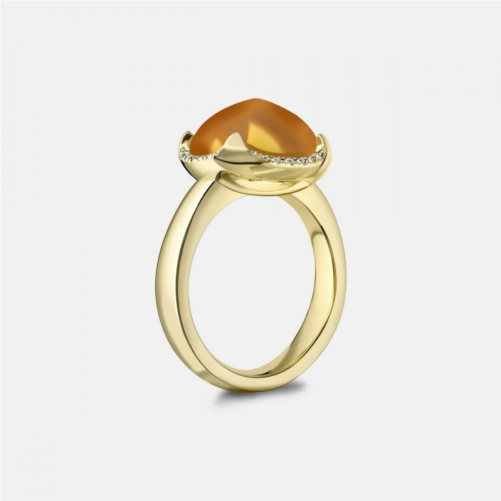 Yellow Gold and Citrine Pyramid Ring Side View
